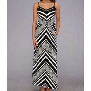 Vince Camuto Black/White Chevron Maxi Dress